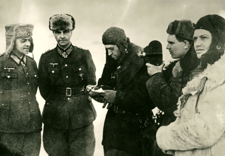 Пленение генел-фельдмаршала Паулюса в г.Сталинграде - 1943 г.