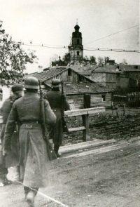Немецкие части вступают в Вязьму - 1941