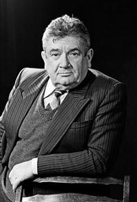 Весник Евгений Яковлевич